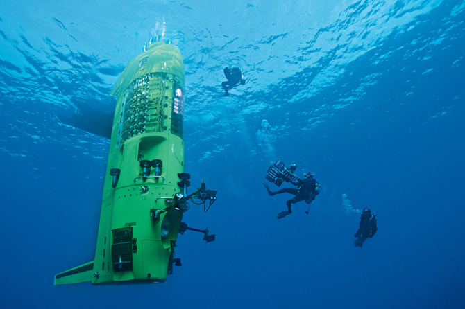 Testing out 'Challenger' (the dive capsule)